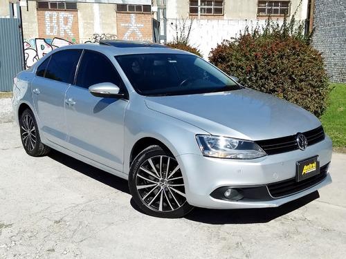 Volkswagen Vento 2.0 Fsi Sportline Dsg 2011