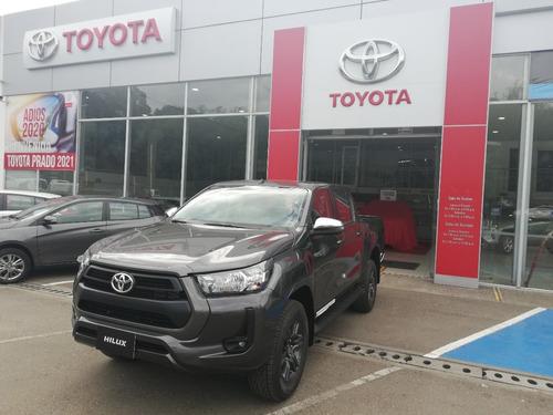 Toyota Hilux 4x4 D.c. 2021. Gris