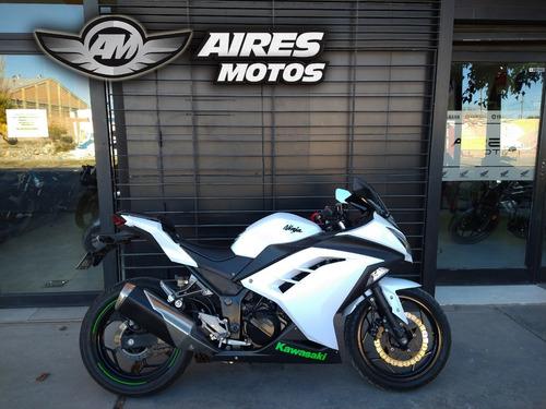 Kawasaki Ninja 300 2014, No Yamaha R3 Benelli 302 Honda Cbr