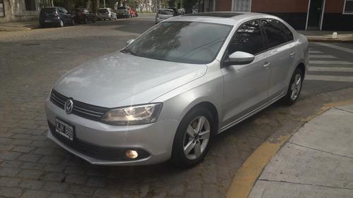 Volkswagen Vento Luxury 2.5 Triptonic 2011