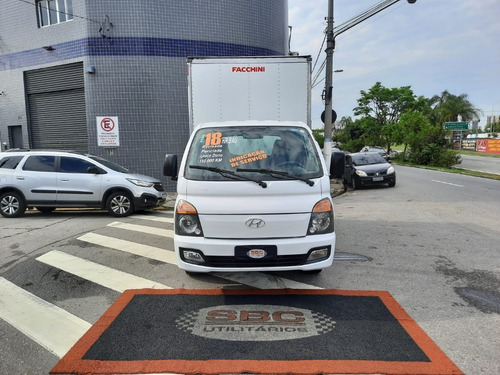 Hyundai Hr 2018 2.5 Hd Cab. Curta Bau Fachinni