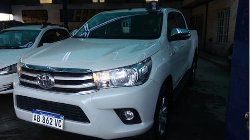Toyota - Hilux 4x4 D/c Srv 2.8 Tdi 6 M/t