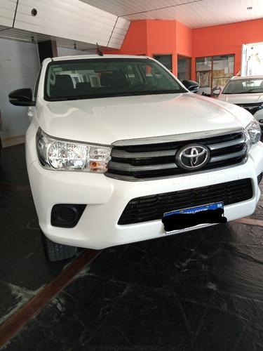 Toyota Hilux Sr 4x4 Doble Cabina