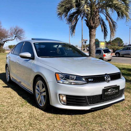 Volkswagen Vento Gli Dsg 2 Dueños Impecable Financio Permuto