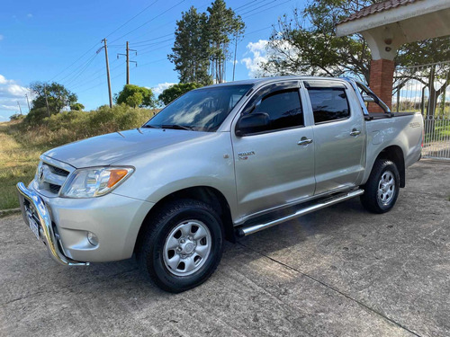 Toyota Hilux Impecable (permuto)