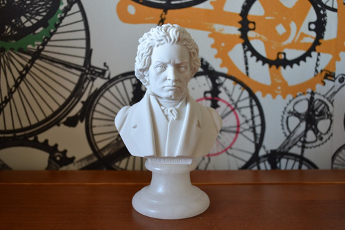 Escultura Busto Ludwig Beethoven Marmore 15cm Made In Italy