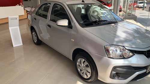 Toyota Etios 1.5 X Sedan 6mt
