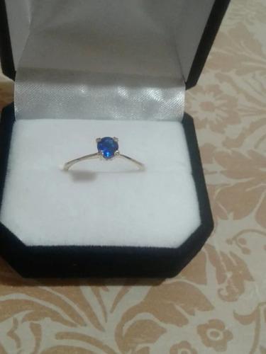 Anillo En Oro Bajo Con Piedra Azul