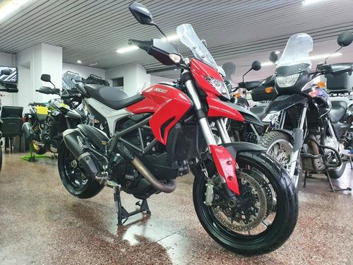 Ducati Hyperstrada 821 Impecable 3700km Permutas