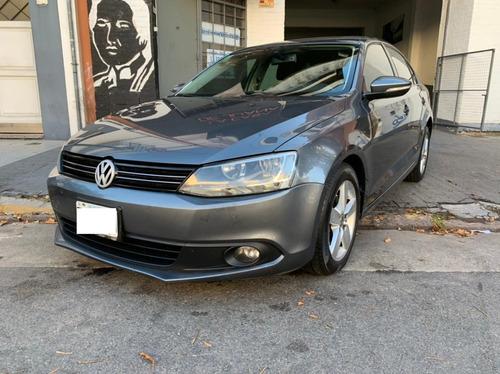 Volkswagen Vento 2.5 170cv Luxury Mt Cuero Techo 2012