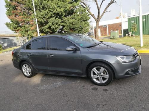 Volkswagen Vento 2.5 Luxury Automático 2013 At Cuero Gris