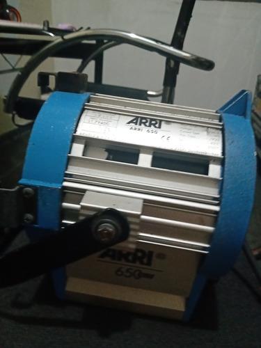 01 Fresnel 650 W Arri Com Bandoor E Lâmpada