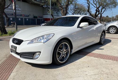 Hyundai Genesis Coupe 2.0 Turbo 2.011