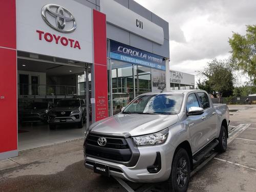 Toyota Hilux D.c. 4x4 Diesel Mt. 2021. Plata
