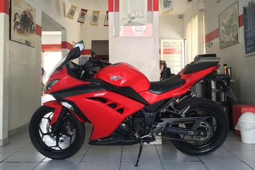 Kawasaki Ninja 300 Vermelha 2013/14