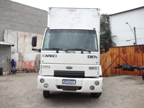 Ford Cargo 1317 Ano  2010 Baú 11mts
