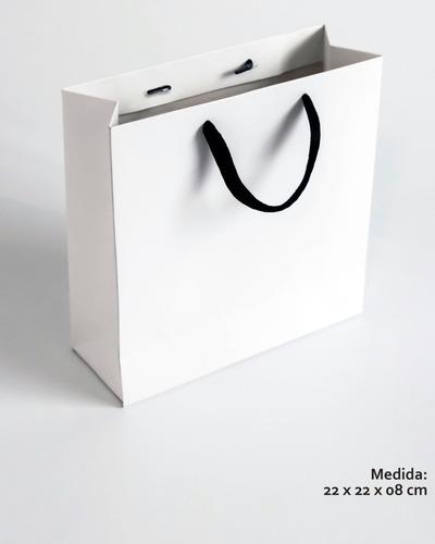 Bolsa Cart. Blanca - 22x22x08 Cm - Manija Negra - Pack 10