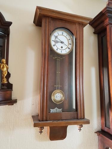Reloj Antiguo De Una Cuerda