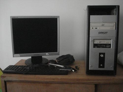 Computadora Usada  Monitor Cpu Y Teclado Y Mouse Y Cables