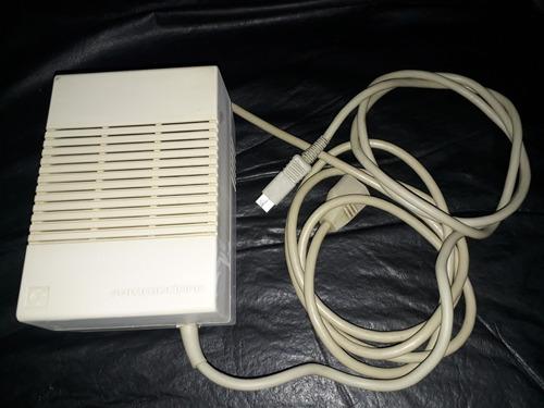 Commodore 128 Fuente A 220v