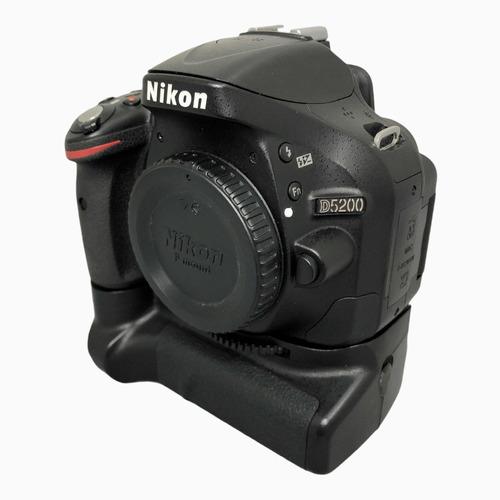 Câmera Nikon D5200 Corpo E Grip 35.900 Cliques Seminova