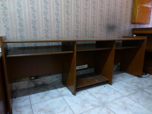 Mesa De Computacion Grande Para Tres Maquinas