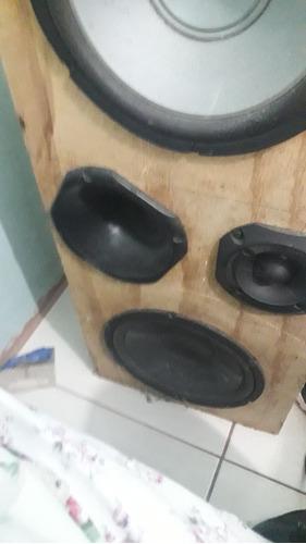 Caixa De Som,com 2 Altifalantes De 12wts.1 Corneta E 1 Tuite