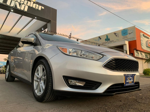 Ford Focus Se At 2015