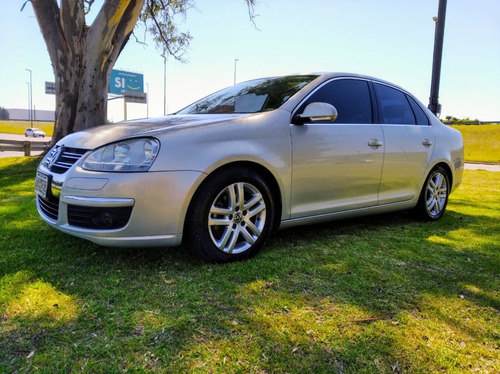 Volkswagen Vento 2.5 Luxury - Permuto !! - Impecable !!