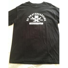 3cac273c49eea Camiseta Dc Shoes Gringa Tamanho Xl   Gg Br - Camisetas Manga Curta ...