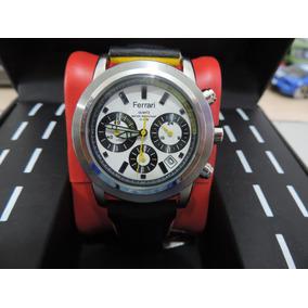 1f678ca44fb Relógio Ferrari Quartz Com Pulseira De Couro Preta E Amarela