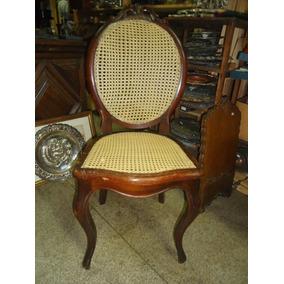 Cadeira Medalhão Antiga De Madeira
