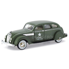 Chrysler Airflow 1936 Army Signature Models 1:32 32519-verde