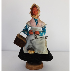Antiga Boneca Santon Mulher Terracota Vende Queijo De 1950
