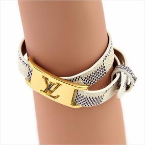 Pulseira Feminina Marca Luxo Detalhe Dourado/branca Bd1265