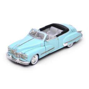 1947 Cadillac Series 62 Convertible - 1:32 Signature Models