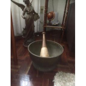 Antiguo Mortero De Bronce Gigante , De Museo.