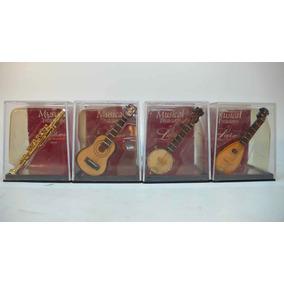 Mini Clarinete, Banjo, Violão E Bandolim.