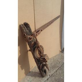 Goya Agujereadora Muy Antigua Para Decoración