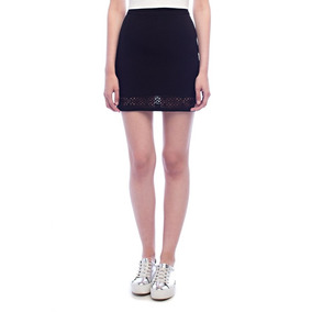 Falda Negra - Skirt With Cut Out Detail