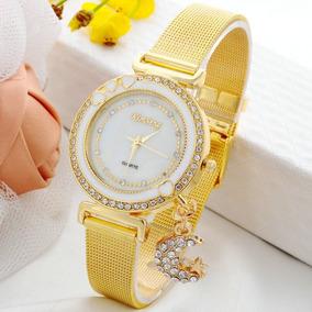 c9f89575e9b Relógio Feminino Quartzo Dourado Com Strass E Pingente. R  10.830