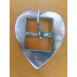 Fivela Inox Coração Tam M Larg 6.3cm-comp 7.5cm-passada3.3cm