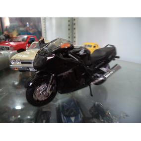 Miniatura Moto Honda Cbr 1100 Xx 1/18