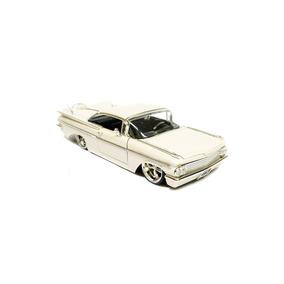 Miniatura Chevy Impala Ss 1959 1:24 Jada Toys Branca