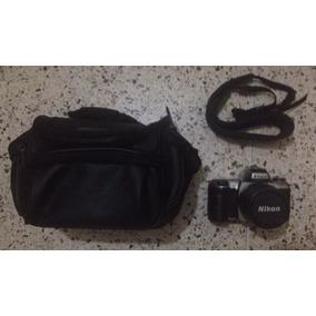 Cámara Reflex Nikon N65, Casi Nueva. ($50)