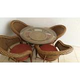 Mesa De Fibra Sintética Com 4 Cadeirad