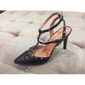 1a63e132c Sapato Scarpin Preto Spike Dourado Outras Marcas - Sapatos no ...