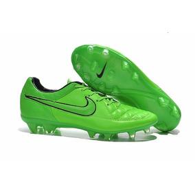Chuteiras Campo Botinha - Chuteiras Nike de Campo para Adultos em ... 3865fc1ae4cd7