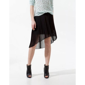 273418ef10 Remato Falda Negra Plizada Asimetrica Zara Talla M Usado