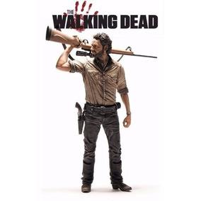 Rick Grimes - Walking Dead - 25cm Deluxe Figure - Mcfarlane